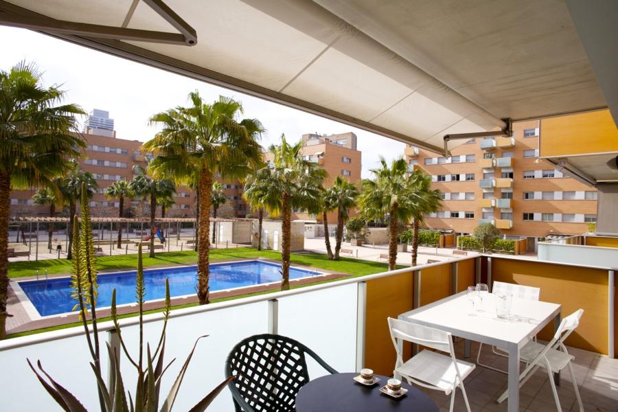 Appartamento con piscina nel quartiere vila ol mpica for Piscina olimpica barcelona