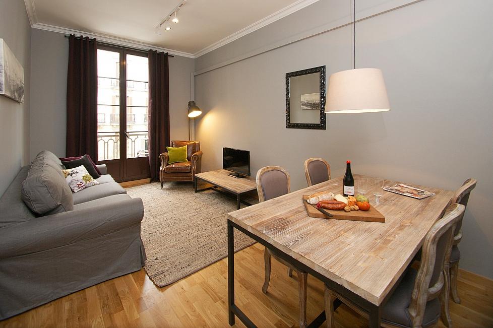 Appartamenti batllo barcelona home for Appartamenti barcellona eixample