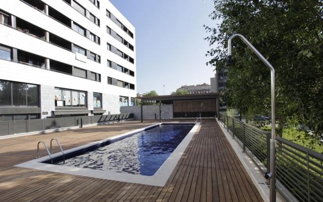 Appartement avec piscine sur la plage de mar bella for Appartement a louer a barcelone avec piscine
